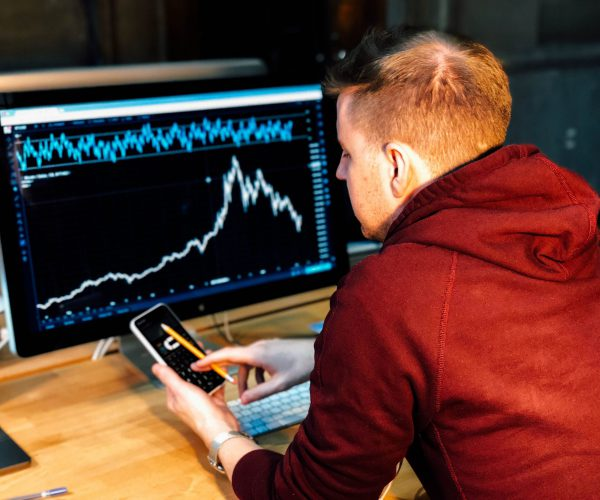 CEOs cause stock to fluctuate